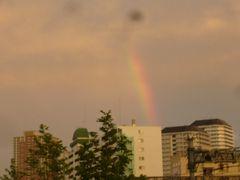 虹とUFO